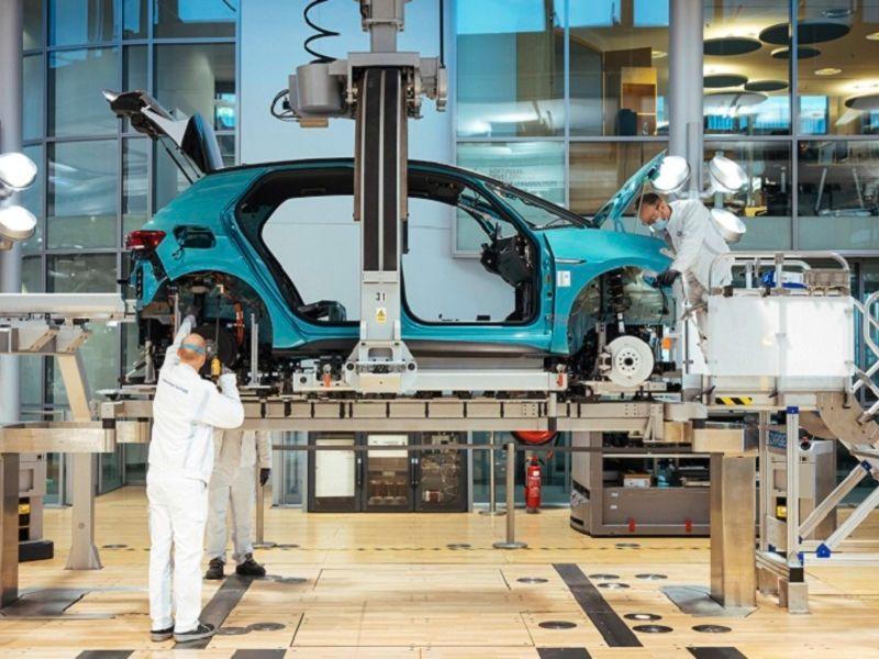 Volkswagen plans to lead EV market by 2030
